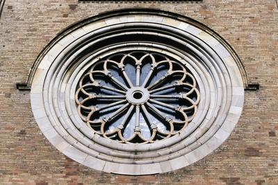 https://imgc.allpostersimages.com/img/posters/rose-window-of-crema-cathedral_u-L-PPQGN90.jpg?p=0