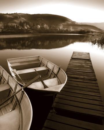 https://imgc.allpostersimages.com/img/posters/row-boat-awaits_u-L-F4S1VL0.jpg?artPerspective=n
