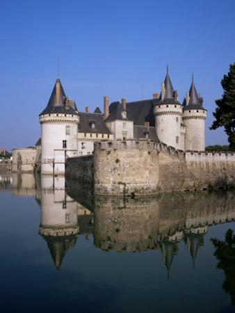 Chateau of Sully-Sur-Loire, Unesco World Heritage Site, Loiret, Loire Valley, Centre, France by Roy Rainford