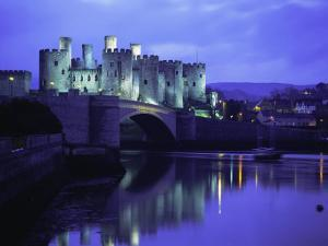Conwy (Conway) Castle, Unesco World Heritage Site, Gwynedd, North Wales, UK, Europe by Roy Rainford