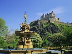 Edinburgh Castle, Edinburgh, Lothian, Scotland, UK, Europe by Roy Rainford