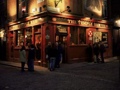 Temple Bar, Dublin, Eire (Republic of Ireland) by Roy Rainford