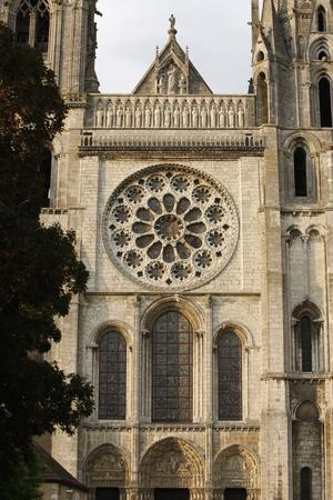 https://imgc.allpostersimages.com/img/posters/royal-gate-chartres-cathedral-chartres-eure-et-loir-france_u-L-Q1GYM600.jpg?artPerspective=n