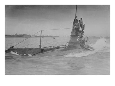 https://imgc.allpostersimages.com/img/posters/royal-navy-british-submarine-a5-on-coast-with-navy-men-on-conning-tower-above-surface_u-L-PGF7KF0.jpg?artPerspective=n