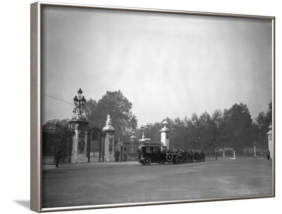 Royals Leave Palace--Framed Photographic Print