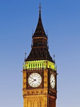 Big Ben by Rudy Sulgan
