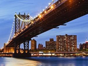 Manhattan Bridge by Rudy Sulgan