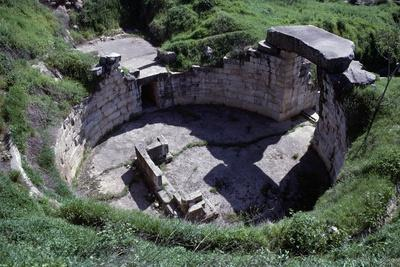 https://imgc.allpostersimages.com/img/posters/ruins-of-a-tholos-tomb_u-L-PPQF6D0.jpg?p=0