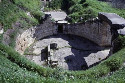 https://imgc.allpostersimages.com/img/posters/ruins-of-a-tholos-tomb_u-L-PPQIFB0.jpg?p=0