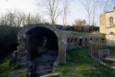 https://imgc.allpostersimages.com/img/posters/ruins-of-augustan-odeion-mistakenly-known-as-tomb-of-agrippina-bacoli-campania-italy-ad_u-L-PP1BNC0.jpg?p=0