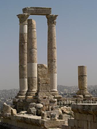 Ruins of Roman Temple of Hercules, Amman, Jordan, 162-66