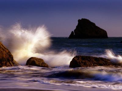 Harris Beach, Crashing Waves, Oregon