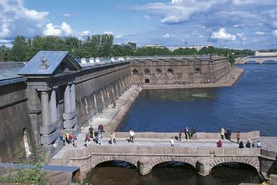 https://imgc.allpostersimages.com/img/posters/russia-central-saint-petersburg-peter-and-paul-fortress-on-river-neva_u-L-PP37VL0.jpg?p=0