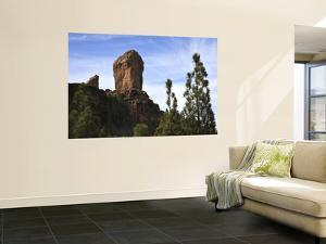 Roque Nublo South of Tejeda by Ruth Eastham & Max Paoli