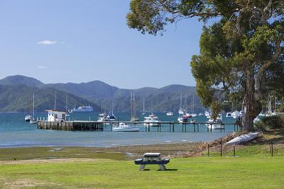 View across Waikawa Bay, an arm of Queen Charlotte Sound (Marlborough Sounds), Waikawa, near Picton