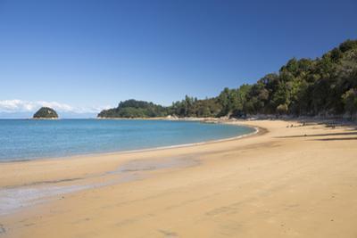 View along the sandy beach at Towers Bay, Kaiteriteri, Tasman, South Island, New Zealand, Pacific