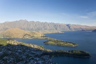 View over Lake Wakatipu to the Remarkables, sunset, Queenstown, Queenstown-Lakes district, Otago, S
