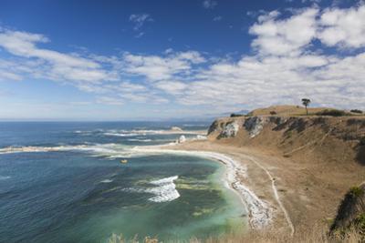 View over the coastline of the Kaikoura Peninsula from the Kaikoura Peninsula Walkway, Kaikoura, Ca