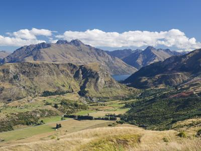 View towards Lake Wakatipu from the Coronet Peak road, Queenstown, Queenstown-Lakes district, Otago