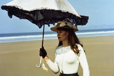 https://imgc.allpostersimages.com/img/posters/ryan-s-daughter-1970-directed-by-david-lean-sarah-miles-photo_u-L-Q1C1ICF0.jpg?artPerspective=n