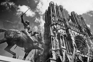 Cathedral of Notre Dame in Reims, 1938 by S?ddeutsche Zeitung Photo