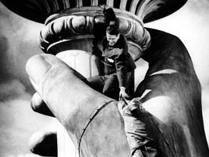 Saboteur, Robert Cummings, Norman Lloyd, 1942