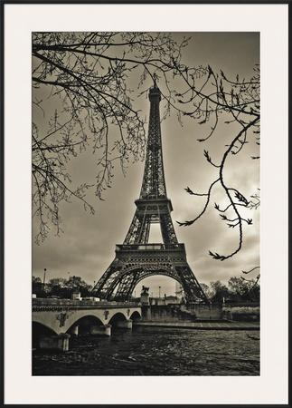 Curves of Eiffel