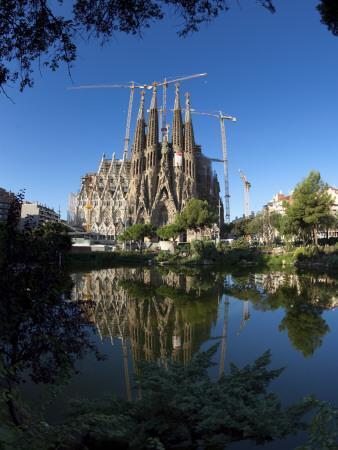 https://imgc.allpostersimages.com/img/posters/sagrada-familia-cathedral-barcelona-spain_u-L-PDXQWC0.jpg?artPerspective=n