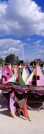 https://imgc.allpostersimages.com/img/posters/sailboats-tuilleries-paris-france_u-L-PNVOKI0.jpg?p=0