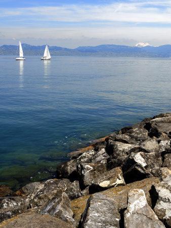https://imgc.allpostersimages.com/img/posters/sailing-boats-lac-leman-evian-les-bains-haute-savoie-france-europe_u-L-P7XHIK0.jpg?p=0