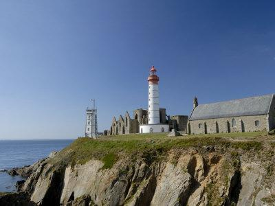 https://imgc.allpostersimages.com/img/posters/saint-mathieu-lighthouse-and-ruined-abbey-brittany-france-europe_u-L-P7X97W0.jpg?p=0
