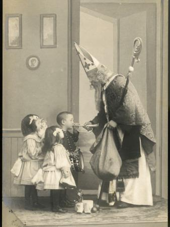https://imgc.allpostersimages.com/img/posters/saint-nicolas-visits-some-children-and-gives-them-presents_u-L-Q108DYB0.jpg?p=0