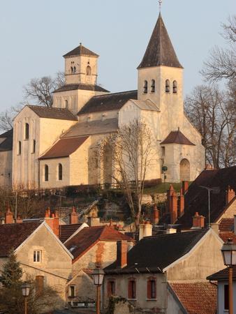 https://imgc.allpostersimages.com/img/posters/saint-vorles-church-in-chatillon-sur-seine-burgundy-france-europe_u-L-PFNTV90.jpg?p=0