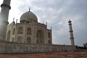 Taj Mahal by Saintcreature Photography