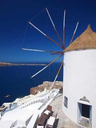 Oia, Santorini, Cyclades, Greek Islands, Greece, Europe by Sakis Papadopoulos