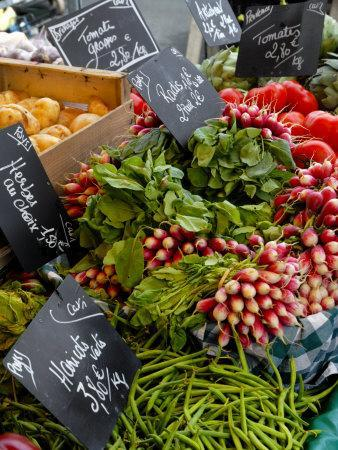 https://imgc.allpostersimages.com/img/posters/salad-and-vegatables-on-a-market-stall-france-europe_u-L-PXUUPK0.jpg?p=0