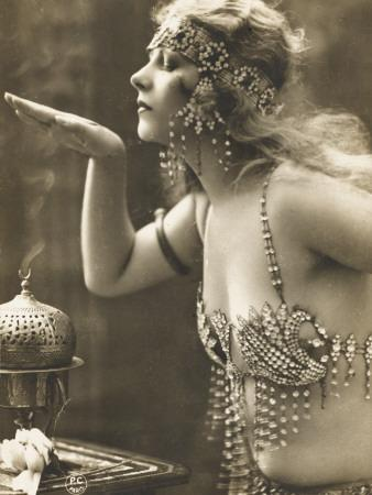 https://imgc.allpostersimages.com/img/posters/salome-her-hand-over-a-perfume-burner_u-L-Q108DYI0.jpg?p=0
