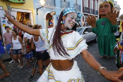 https://imgc.allpostersimages.com/img/posters/salvador-street-carnival-in-pelourinho-bahia-brazil-south-america_u-L-Q1GYKNR0.jpg?artPerspective=n