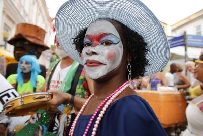 https://imgc.allpostersimages.com/img/posters/salvador-street-carnival-in-pelourinho-bahia-brazil-south-america_u-L-Q1GYM0O0.jpg?artPerspective=n