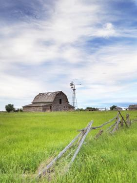 Abandoned Barn, Near Leader, Saskatchewan, Canada by Sam Chrysanthou