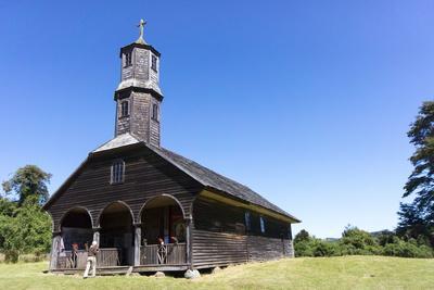 https://imgc.allpostersimages.com/img/posters/san-antonio-church-colo-island-of-chiloe-chile_u-L-PWFEOJ0.jpg?p=0