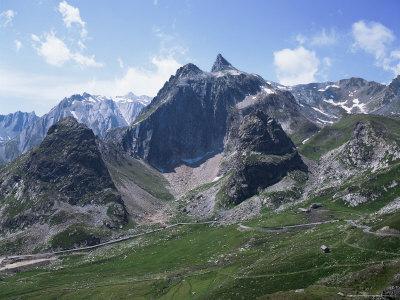 https://imgc.allpostersimages.com/img/posters/san-bernadino-pass-swiss-alps-switzerland_u-L-P1JTBH0.jpg?p=0