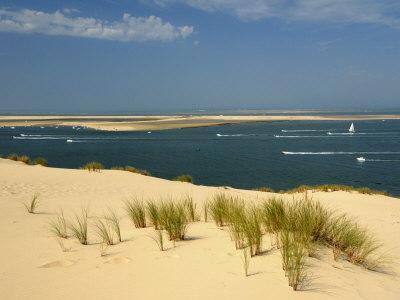 https://imgc.allpostersimages.com/img/posters/sand-banks-motor-and-sailing-boats-bay-of-arcachon-cote-d-argent-gironde-aquitaine-france_u-L-P7X0VO0.jpg?p=0