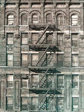 City Escapes 4 by Sandro De Carvalho