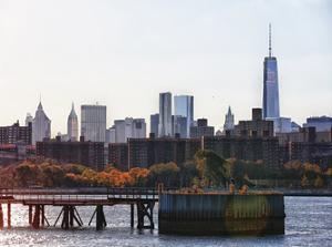 Freedom Tower Hudson view 2 by Sandro De Carvalho