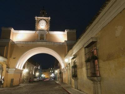 https://imgc.allpostersimages.com/img/posters/santa-catalina-arch-by-night-antigua-unesco-world-heritage-site-guatemala-central-america_u-L-P91T670.jpg?p=0