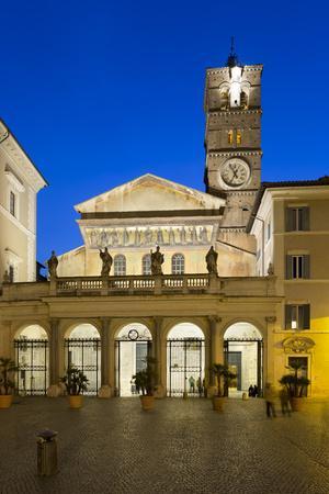 https://imgc.allpostersimages.com/img/posters/santa-maria-in-trastevere-at-night-piazza-santa-maria-in-trastevere-rome-lazio-italy_u-L-PWFJPR0.jpg?p=0
