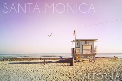https://imgc.allpostersimages.com/img/posters/santa-monica-california-lifeguard-shack-sunrise_u-L-Q1GQTDQ0.jpg?p=0