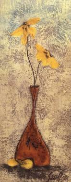 Fleur III by Sara Rosen