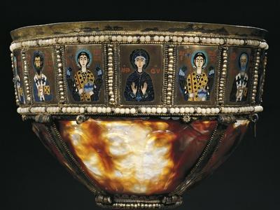 https://imgc.allpostersimages.com/img/posters/sardonyx-chalice-with-enamel-panels-byzantine-goldsmith-art-3rd-4th-century_u-L-POVU650.jpg?p=0